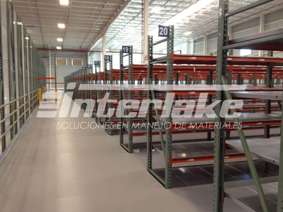 Los warehouse racks