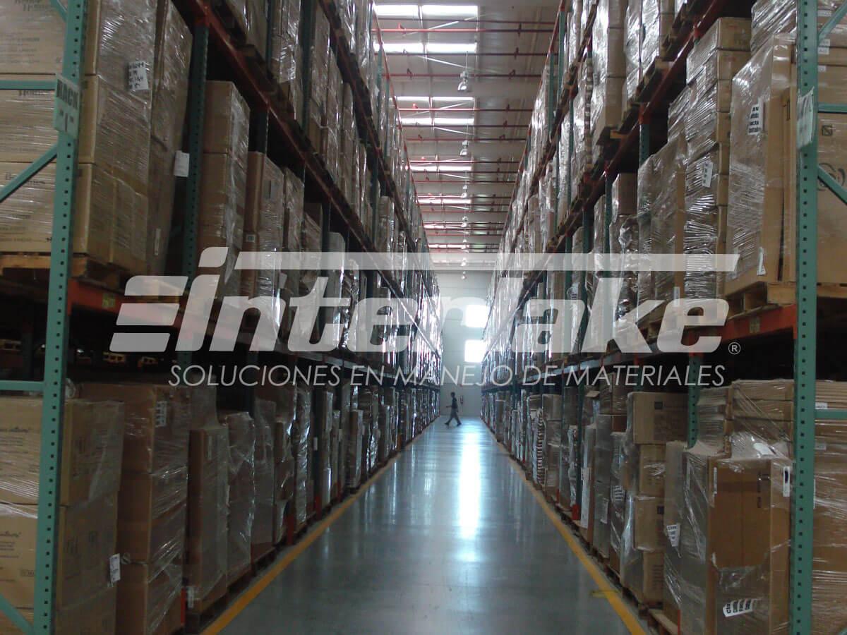 Ventajas del uso de las estanterías industriales