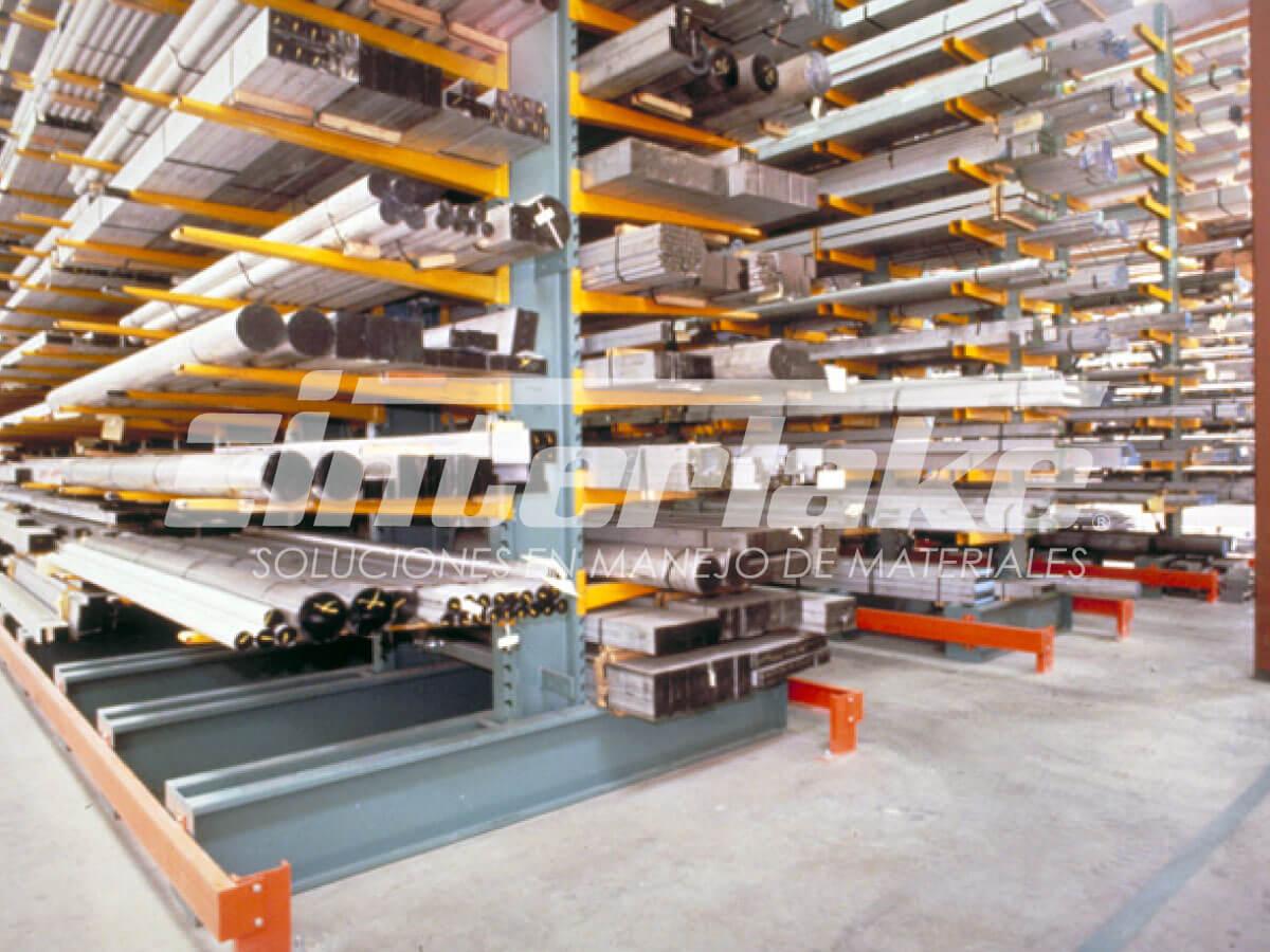 Estanterías cantilever: el rack perfecto para cargas de gran longitud