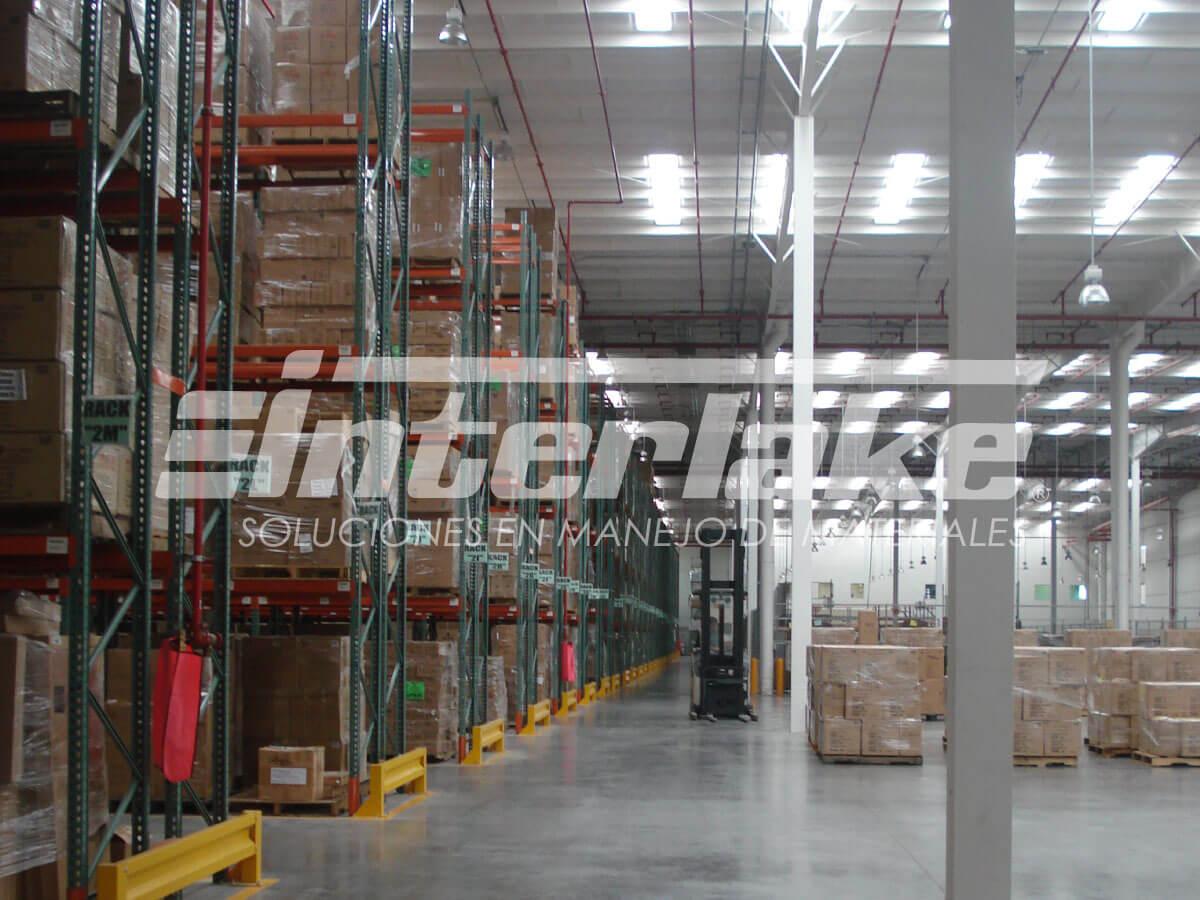 Racks para almacenes, sistemas de almacenaje altamente eficientes
