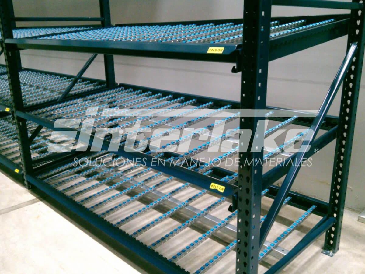 Carton flow rack, uno de los sistemas de estantería para almacenamiento más modernos