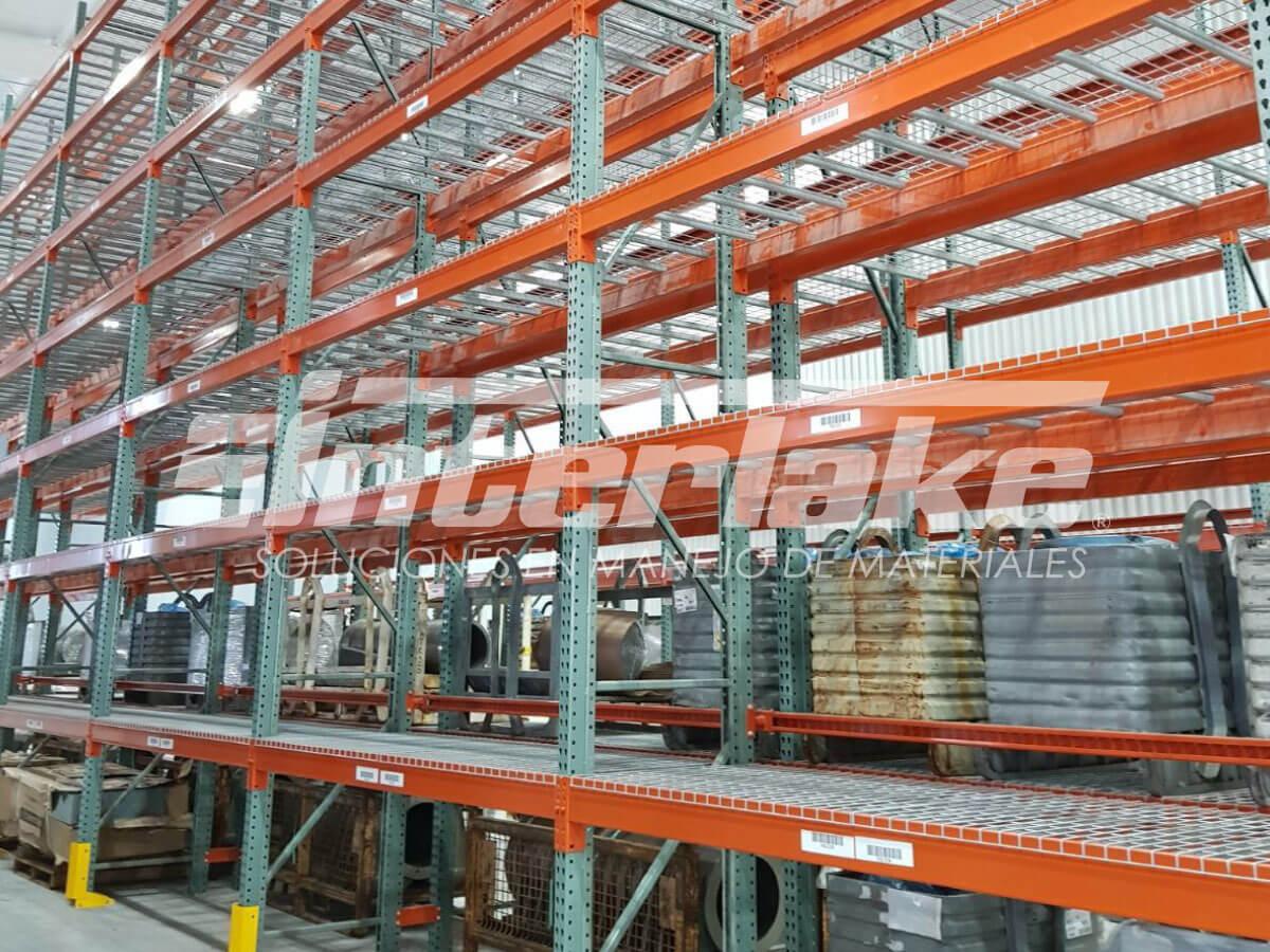 Estanterías industriales y la gestión de producción de proyectos