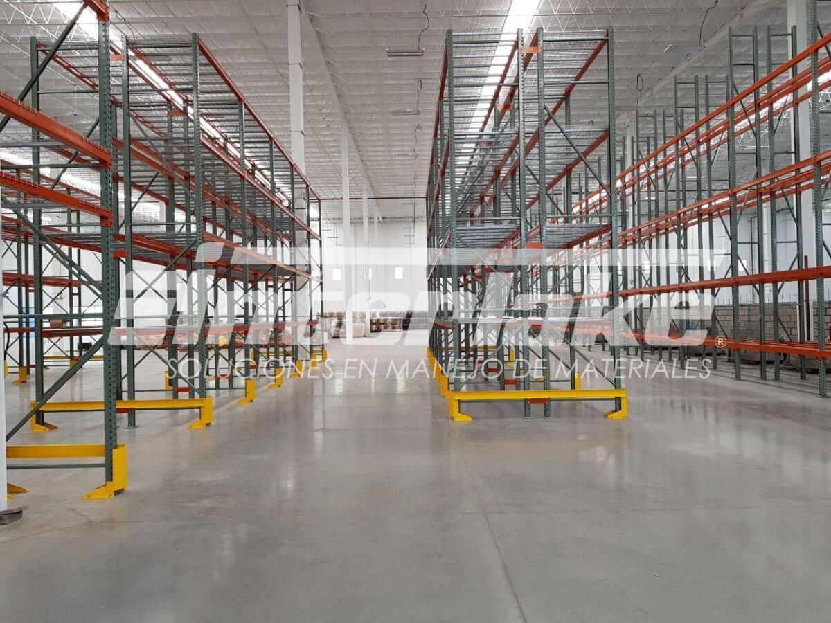 Racks selectivos, su importancia en negocios de ventas y centros comerciales