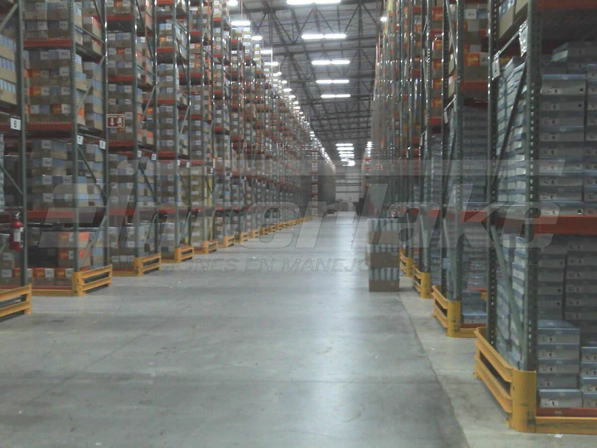 ¿Cómo benefician a nuestros clientes nuestras estanterías de almacén?