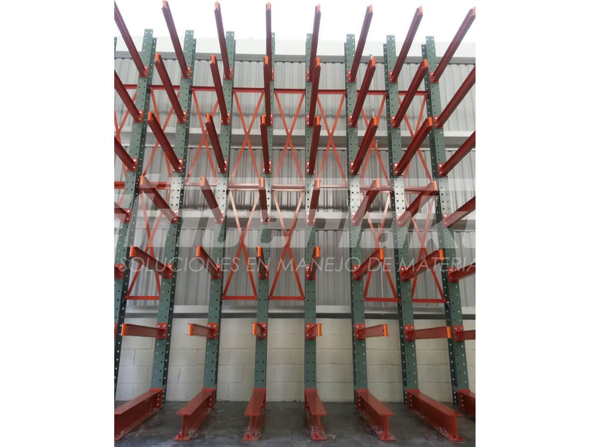 ¿Qué estanterías son convenientes para cargas pesadas?