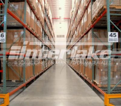 Recomendaciones para seleccionar tarimas para un sistema de almacenaje basado en racks para tarimas