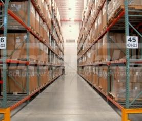 ¿Por qué usar estanterías de metal en pequeños almacenes y negocios?