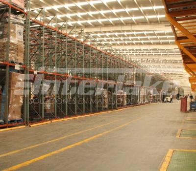 Importancia de implementar sistemas de protección antiincendios en almacenes