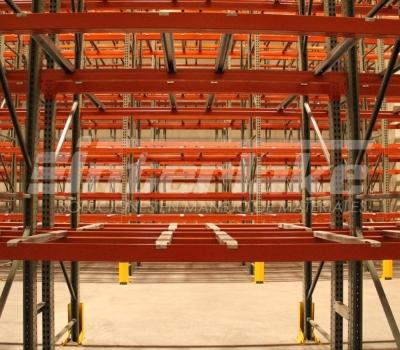 Ahorro de costes y espacio con las estanterías para tarimas