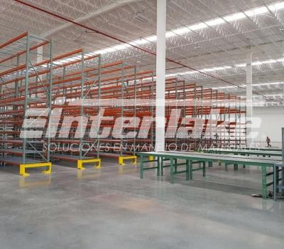 Warehouse racks, la mejor estantería para almacenar materiales ligeros